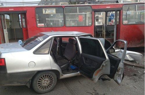 Восемнадцатилетний виновник вчерашнего ДТП в Йошкар-Оле имел водительский стаж менее полугода