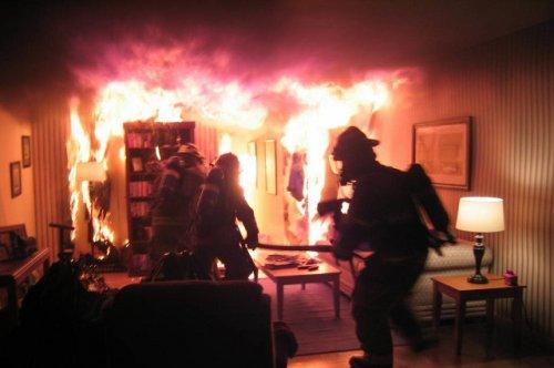 В результате ночного пожара в городе Йошкар-Оле погиб пожилой мужчина