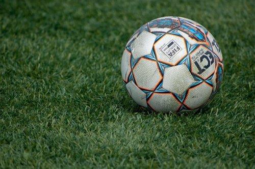 Footboom.com: футбольные матчи РПЛ будут показывать на ОККО, Первом канале и Чемпионате