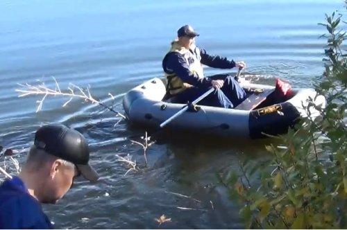 Спасатели Марий Эл помогли мужчине и женщине, которые перевернулись на лодке