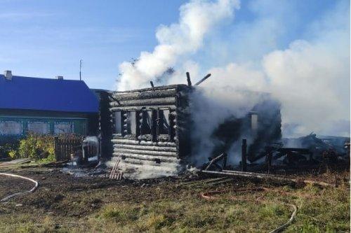 Пожар в Килемарском районе унёс жизни хозяйки дома и её отчима