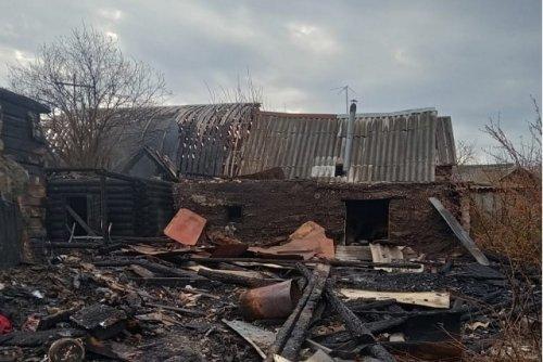 Два человека погибли в результате ночного пожара в посёлке Куженер