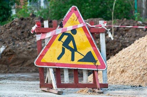 На транспортном кольце «У Визита» до вечера пятницы планируют заниматься дорожным ремонтом
